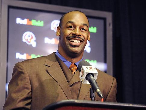 Where will Donovan McNabb land next year? He wants to stay in Washington.